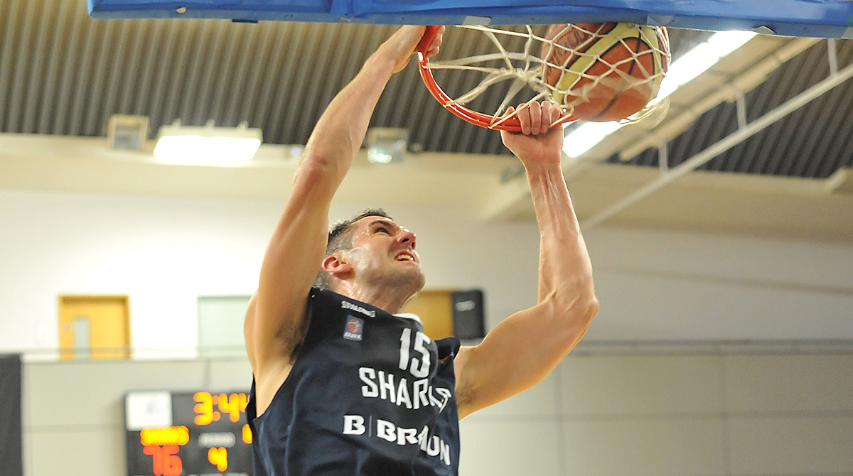 Sharks' Mike Tuck throws it down, Library Photo by MPhotography